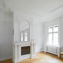 7-KronenStr-Innenstuck-Kamin